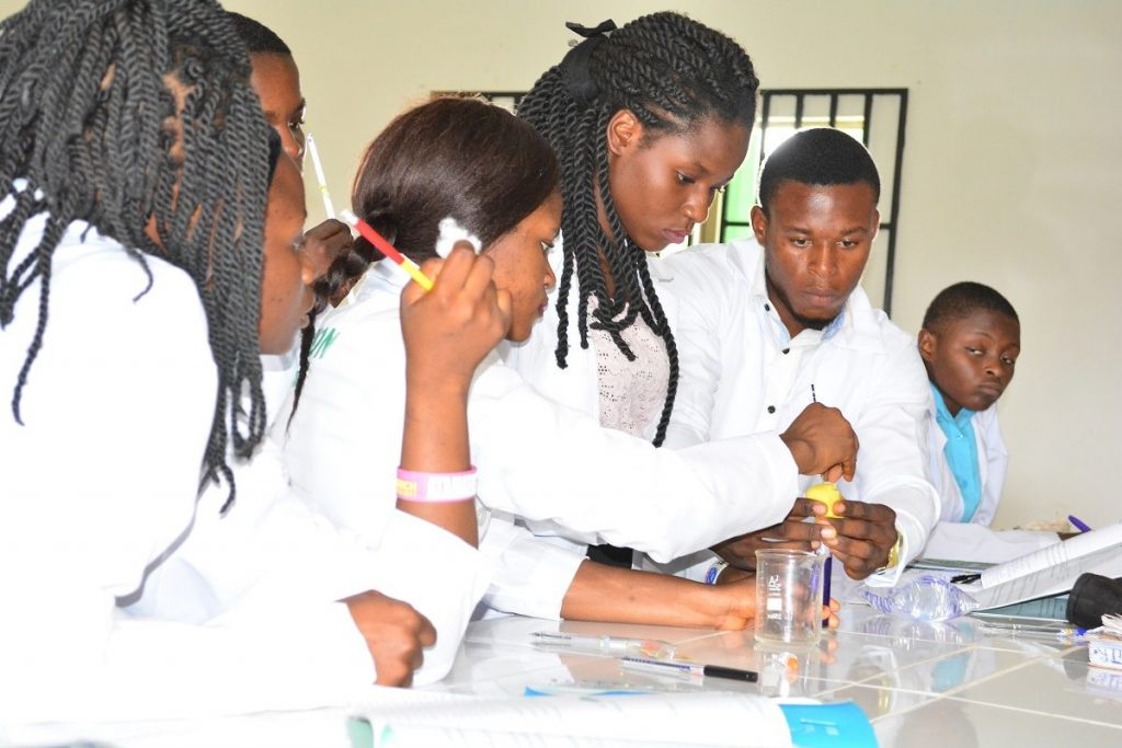 Bestpotech students in lab1